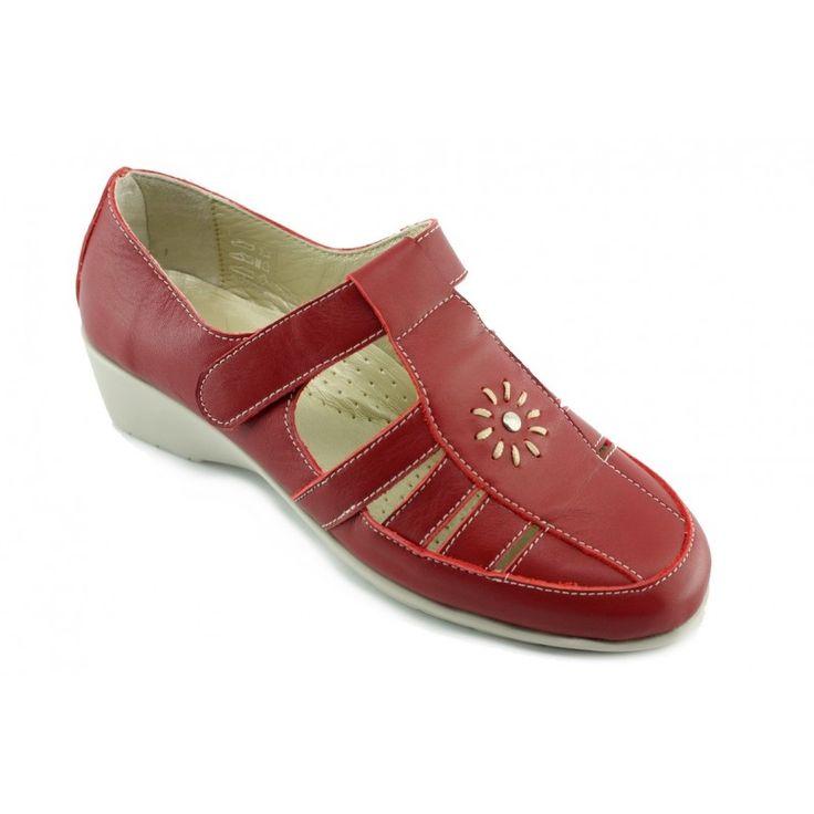 Aérobics ® la marque sportswear ''ULTRA CONFORT'' enfin de retour en France ! Aérobics ® Ce sont des chaussures pour Femme à la fois confortables, élégants, modernes et toujours avec une semelle de propreté en cuir moelleux, moelleux ! Les pieds sensibles vont enfin pouvoir souffler... Vous pourrez les ausculter sous toutes les coutures, vous ne trouverez pas une trace d'inconfort ou de point stressent pour vos pieds !   Les chaussures Ultra souples de chez Aérobics ® sont conçues pour…