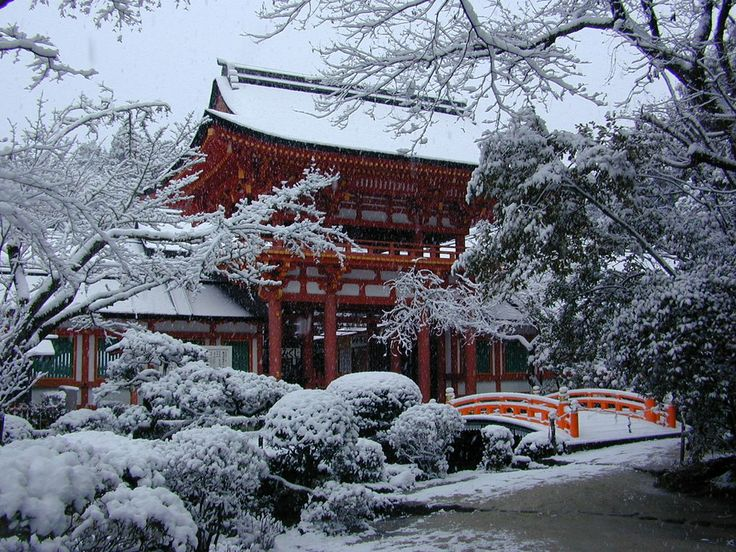 Kamigamo Shrine(Kamo-wake-ikazuchi-Jinja) Ro-mon Gate(Snow scene)/上賀茂神社(賀茂別雷神社) 楼門(雪景色)