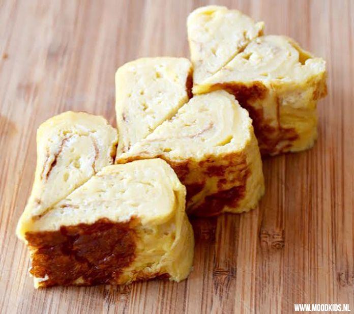 Roppongi maakt elke 2 weken een Dutch Bento lunchtrommel voor ons. Deze zomer geven ze leuke tips. Deze keer: hartje van omelet met stap voor stap uitleg.