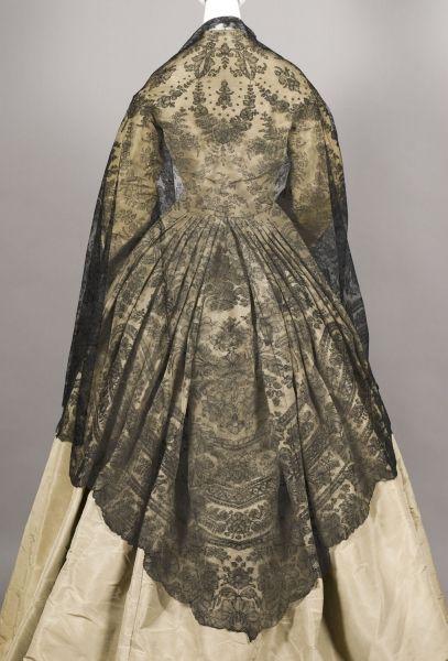 A terrifically beautiful triangular silk and lace shawl, c. 1855. #Victorian #fashion #shawl #lace #1800s