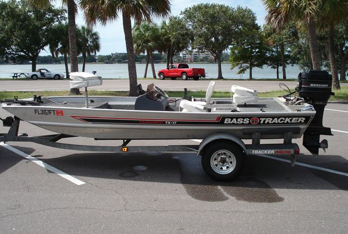 17ft Bass Tracker Boat Tournament Tx 17 Tracker Boats Bass Boat Outboard Boat Motors