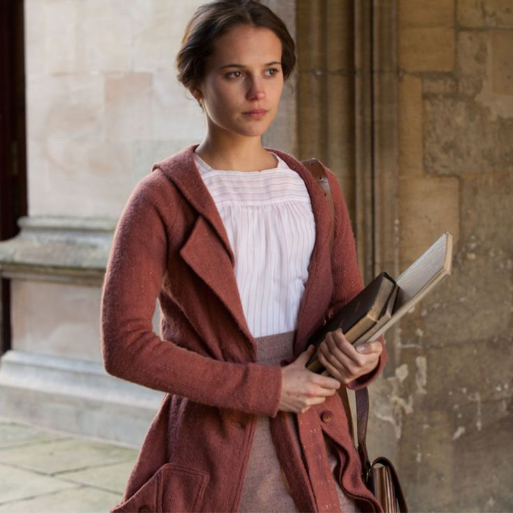 Testament of Youth, moving memoir, beautiful costume design for Brittain in the film