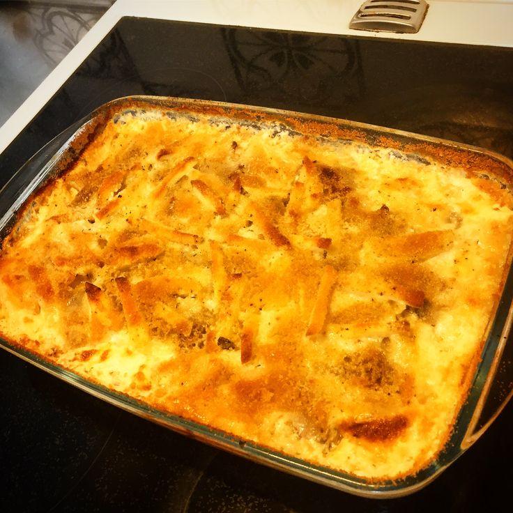 Janssons frestelse är klar till påskbuffén!Med potatis, gul lök, ansjovis, färsk timjan, ströbröd & matlagningsgrädde!Baserad på @permorberg_official 's recept!👨🍳😀👍🥔🐟😍❤👨👩👧🥚🐣🐥🍽🍴