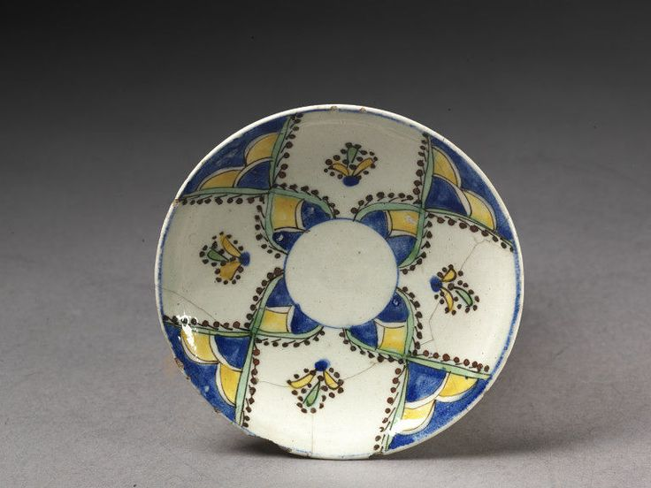 Saucer | V&A Search the Collections