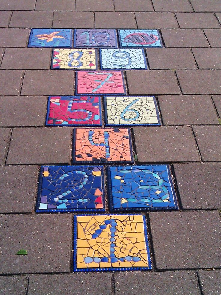Hinkelbaan mozaiek, misschien iets te vergaand voor een crea-ateliers.