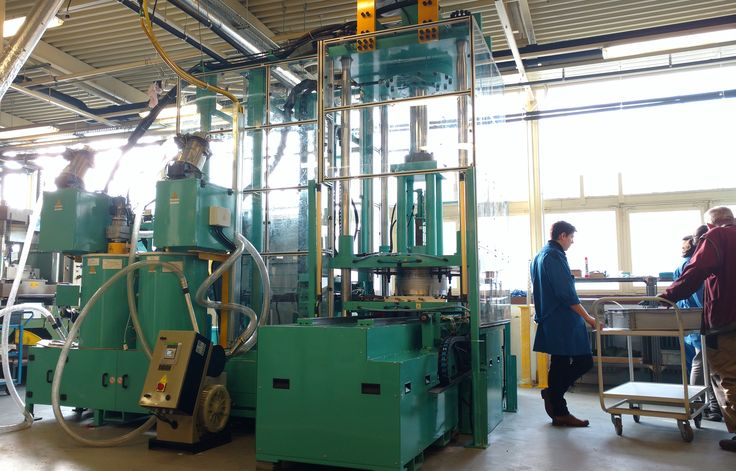 Successful Installation of 100 Ton Wax Injection Machine in Hungary