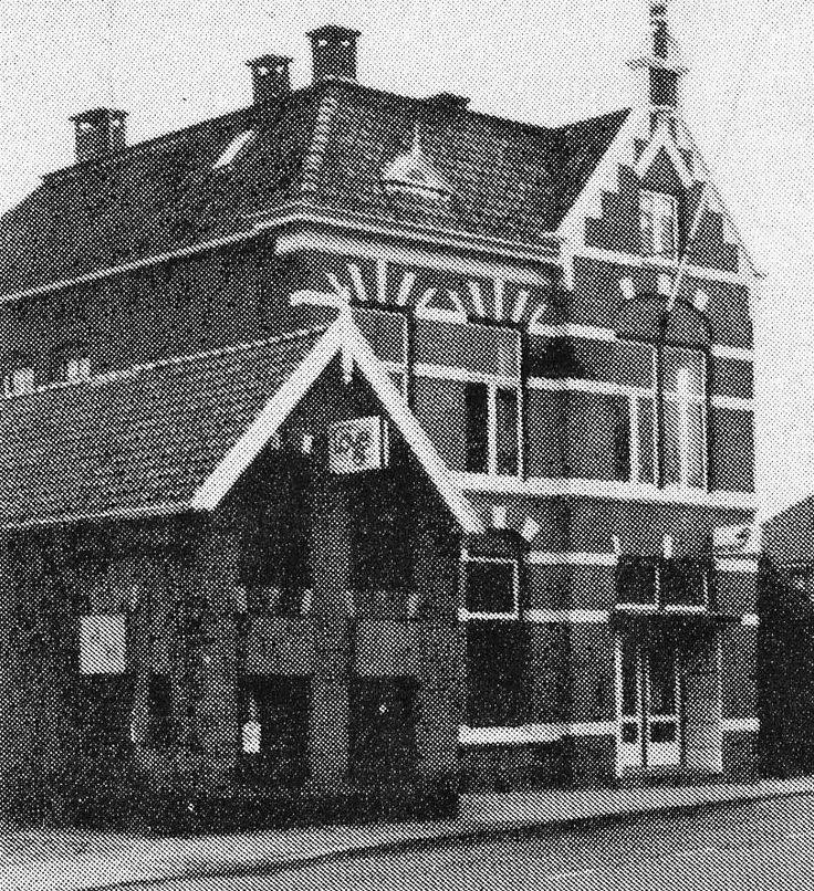 Dit is het oude Postkantoor van Vriezenveen waar veel mensen elkaar konden ontmoeten. Vriezenveen. Nederland.