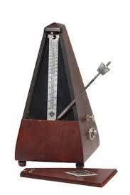 El metrónomo es un aparato utilizado para indicar tiempo o compás de las composiciones musicales. Produce regularmente una señal, visual o acústica, que permite a un músico mantener un ritmo constante.