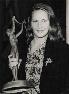 Alida Valli A Venezia ritira il Premio Nazionale come miglior attrice dell'anno. E' il 1941