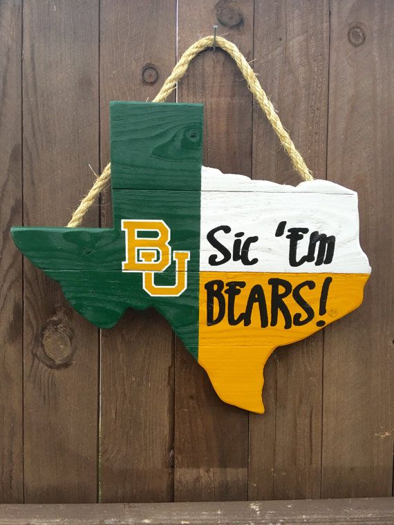 Rustic Baylor-Texas hanging flag // A great way to show you're Baylor Proud!