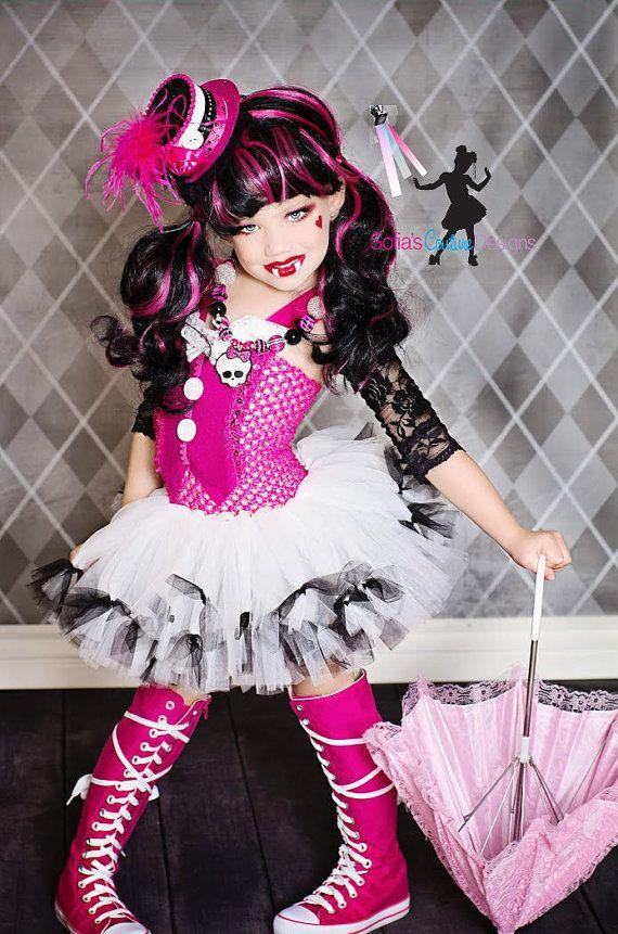 Monster High inspired costume Draculaura via Etsy-Lillie wants to be a monster high girl for Halloween