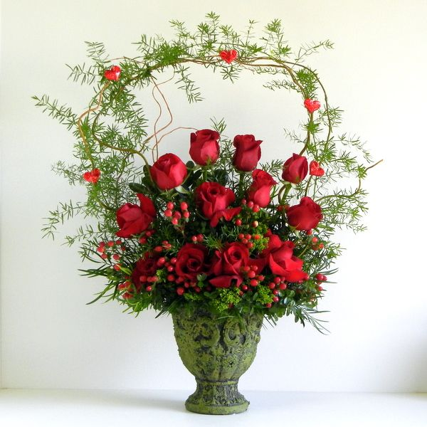 valentine flower arrangement ideas from the floral craft idea is designed beautifully with the floral foam and with the of heart shaped glass bowl - Floral Design Ideas
