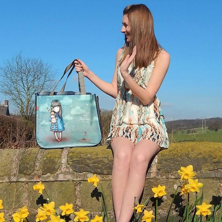 A #Gorjuss day means a #Gorjuss #picnic with #friends! Pack your sandwiches, strawberries, blankets and frisbees and say hello to the sun! #sunnydays #spring #shopper #daffodils Click here to shop: https://www.santoro-london.com/shop/gorjuss-large-shopping-bag-hush-little-bunny.html