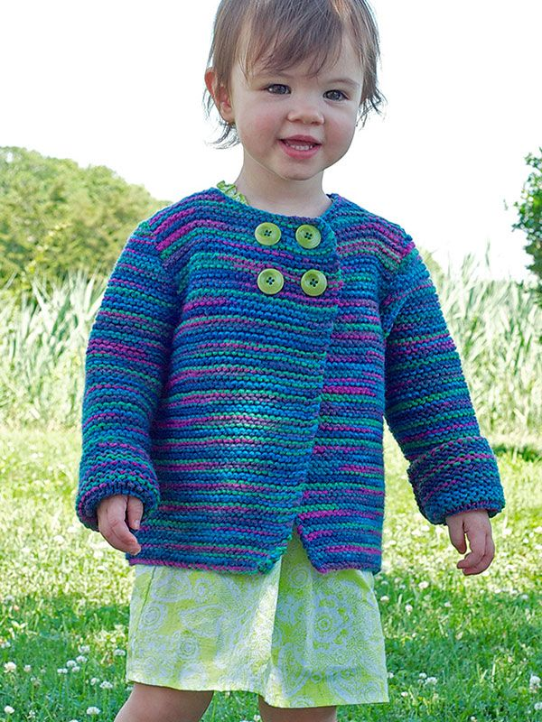 Kelcema | This simple garter stitch cardigan is perfect layering piece for winter, spring, and fall. With only a few buttons at the neck, you can throw it on your little one and they are ready to go!