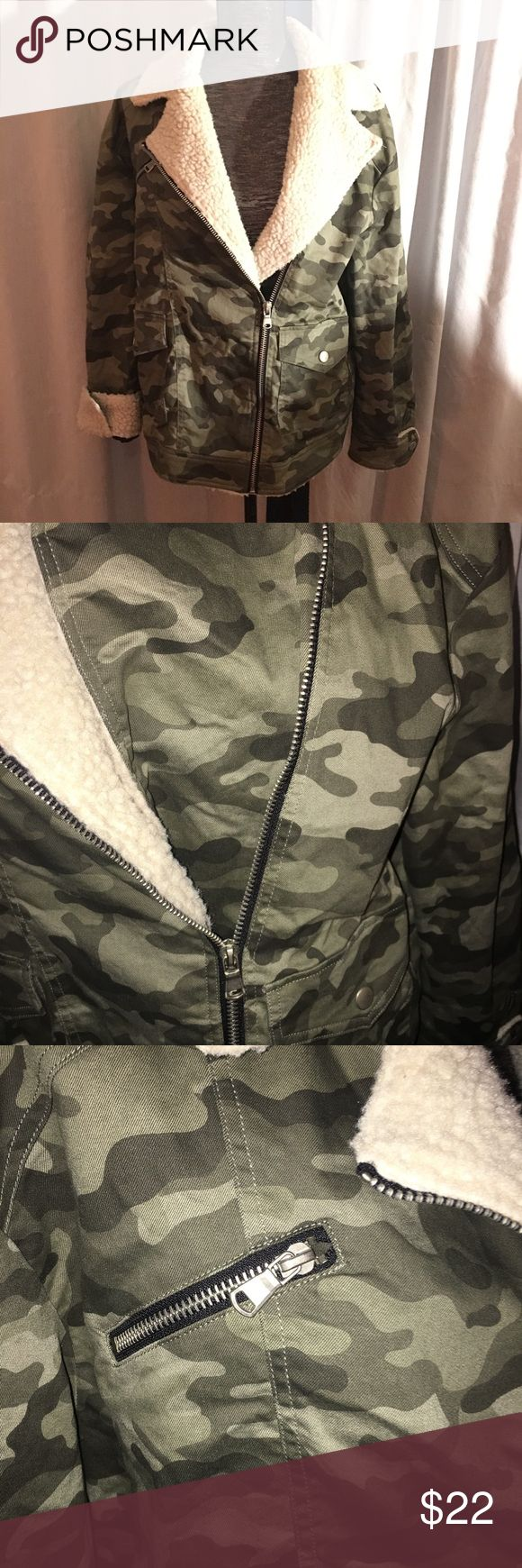Forever 21 camouflage jacket Fleece trim. Sleeve cuffs can be worn up or down. In excellent condition! Forever 21 Jackets & Coats