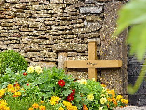 Taizé: Father Roger's grave