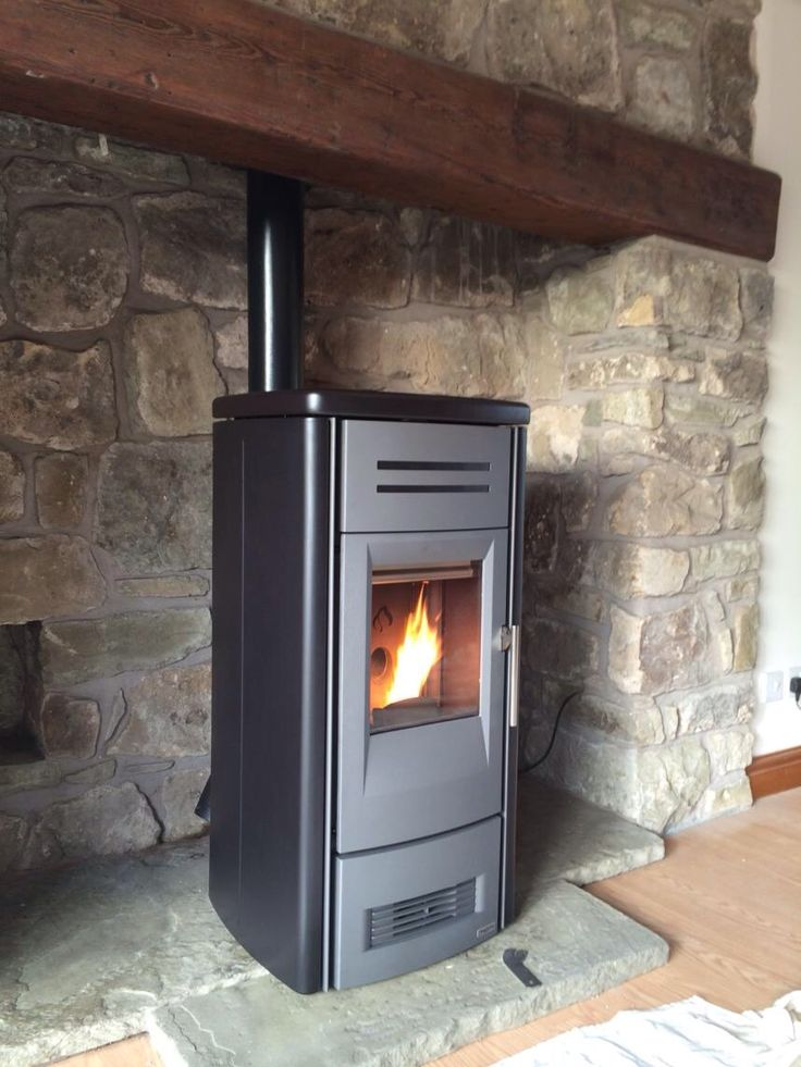 Pellet stove installation. The stove is a Piazetta P958M ...