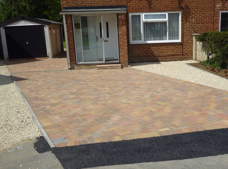 17 best images about block paved driveways by awbs for Front garden block paving designs