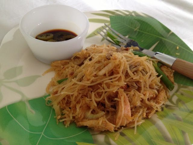 Singapore Fried Noodles | Feed My World | Pinterest