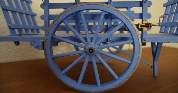 La fabrication d'une grande charrette pour les grands santons