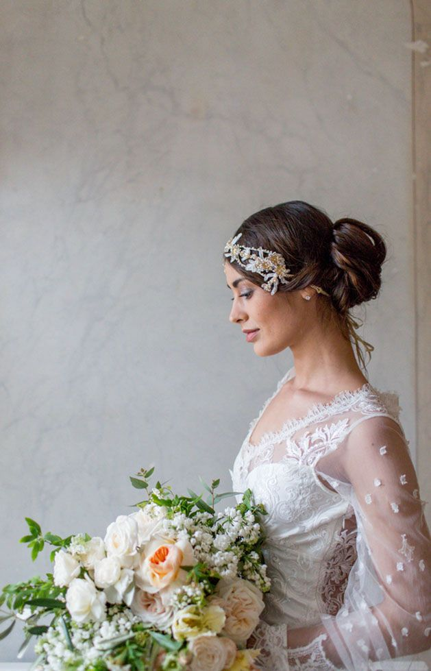 Claire Pettibone gown and Jannie Baltzer headpiece | http://adornmagazine.com/blog | Rodeo & Co. Photography