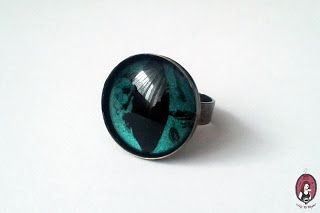 Green demon eye ring