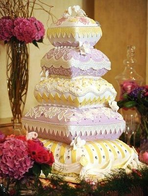 Pillow Tiers - Gallery of Crazy Wedding Cakes [Slideshow]