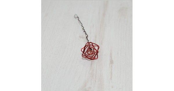 """Handmade нестандартна роза от тел, която може да се извие по различен начин и да се скъси дръжката. Като част от колекцията с продукти Decorra Home """"Специално за теб!"""" успешно може да се съчетае с други артикули с тема или детайл роза. Една инте"""