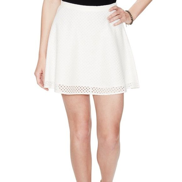 Jack by BB Dakota white eyelet skirt size 2 An absolute must have for every wardrobe!! This adorable white eyelet skirt is perfect for Sunday brunch, Easter and every occasion in between!! Worn once, in perfect condition!! BB Dakota Skirts Circle & Skater