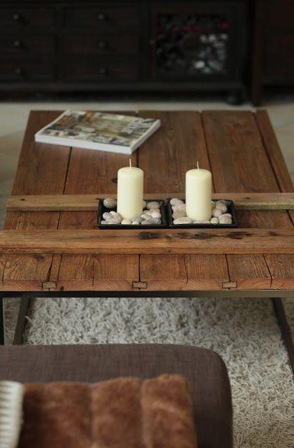 WOHN:PROJEKT: DIY: Selbstgemachter Couchtisch aus einer alten Holztüre