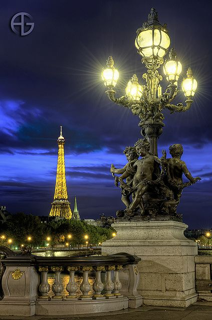 Love the night life here, beautiful night for a walk to the Tour Eiffel, Pont Alexandre III, Paris France