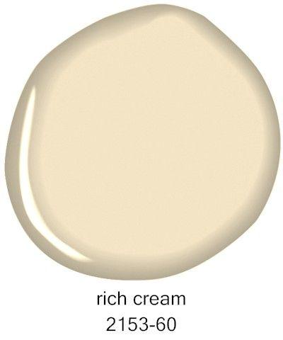 Benjamin Moore Rich Cream 2153-60