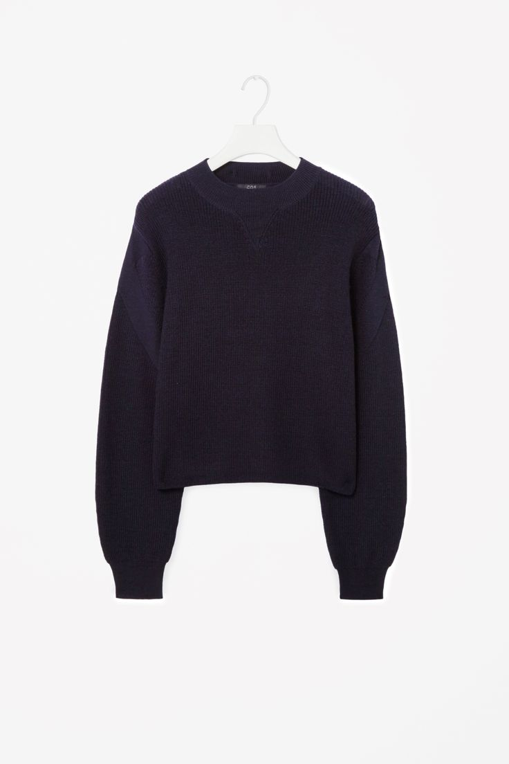 Cropped wool jumper