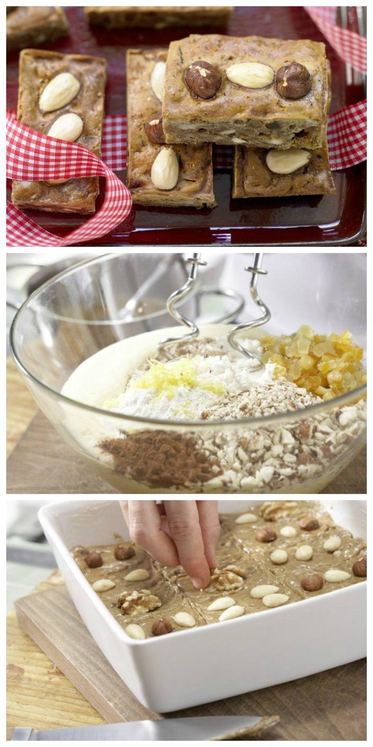 Honig, Nuss und Mandelkern haben nicht nur Kinder gern: Honigkuchen mit Mandeln und Nusskernen | http://eatsmarter.de/rezepte/honigkuchen-mandeln
