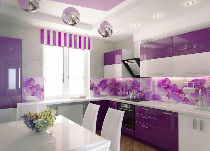 Красивая кухня, приятный цвет.