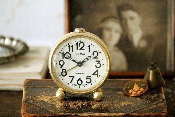 Small Alarm Clock Vintage Desk Clock Beige Alarm Clock Working Vintage Clock Mechanical Alarm Clock Retro Clock Small Alarm Clock Vintage Alarm Clocks