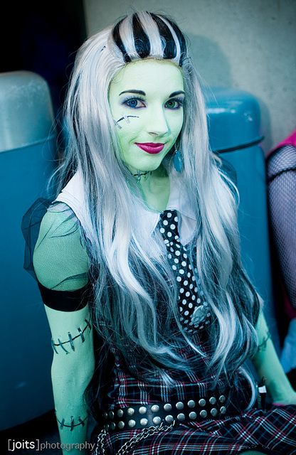 Monster High Frankie Stein #cosplay. Great for Halloween and comic conventions.