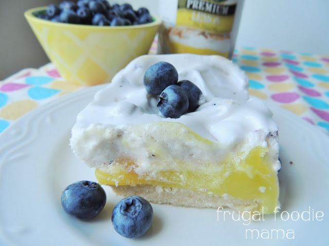 Lemon Blueberry Meringue Bars via thefrugalfoodiemama.com #blueberrymeringue #lemonbars #luckybakes #lemon