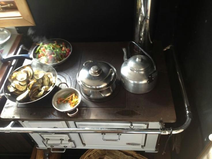 Cocina a le a we love kitchens cocinas maravillosas - Cocina a lena ...