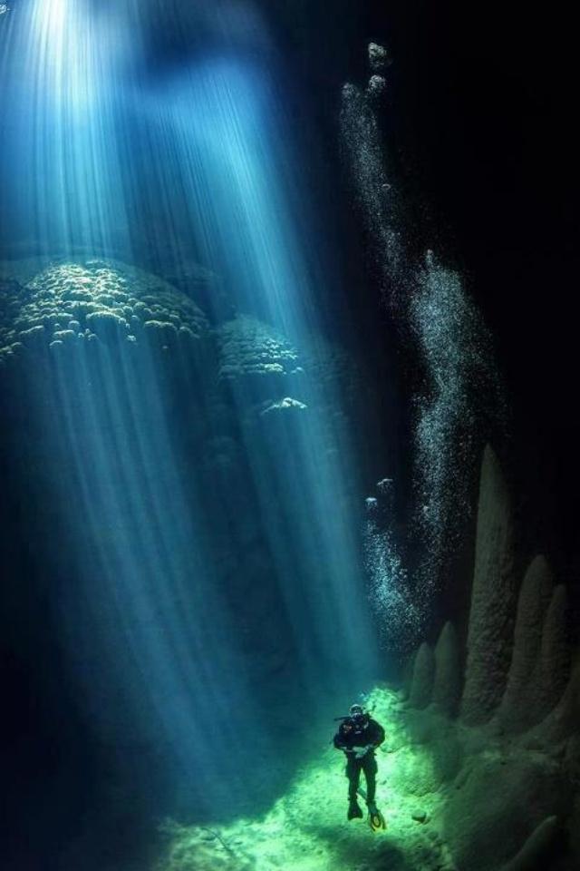 The blue abyss where the sun rays reach the bottom