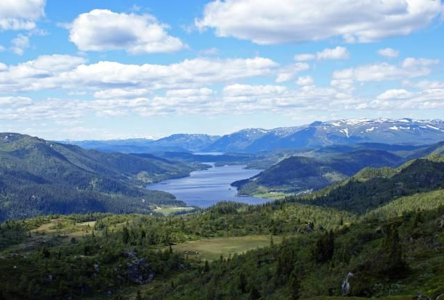 What's the Midnight Sun, and why should it matter when planning your trip to Norway? Learn more about the best times and months to travel to this Scandinavian gem.
