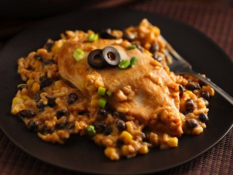 Creamy Arroz con Pollo - Enjoy this Spanish-style skillet dinner featuring chicken, rice, Progresso® black beans and Green Giant® corn – made using Progresso™ Recipe Starters™ cooking sauce.