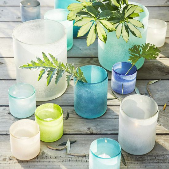 DIY sea glass vases. Simple. Easy. Gorgeous. P.S. This blog has amazing tips for crafts, organizing AND cleaning. I LOVE it.