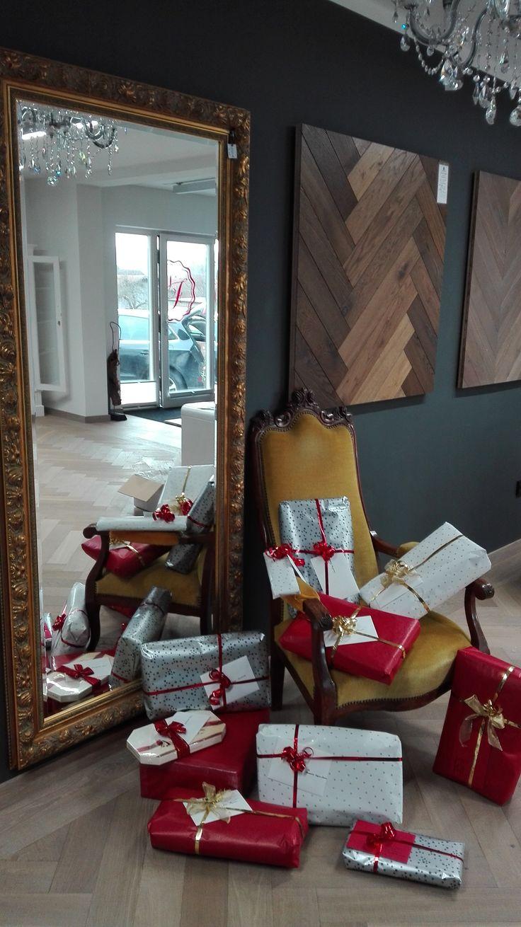 Frohe Weihnachten ihr Lieben! Wir haben schon alle Geschenke zusammen, falls Ihr noch auf der Suche seid, schenkt doch kuschelige Momente aus Irland und besucht den Online Shop www.home-of-plaids.de