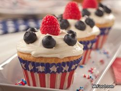 Fourth of July Cupcakes: 4Th Of July Red White Blu, Cakes Mixed, July Cupcakes, Blue Cupcakes, Desserts Recipes, Patriots Desserts, Fourth Of July, July 4Th, Mrfood Com