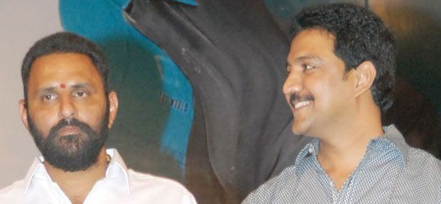 Nani's shift big blow to TDP; Is Vamsi next in line? - FrontPage India -- After a prolonged vacillation, the Telugu Desam legislator from Gudivada Assembly constituency Kodali Sri Venkateswara Rao alias Nani is finally out of .... http://www.frontpageindia.com/andra-pradesh/nanis-shift-big-blow-tdp-vamsi-line/34391