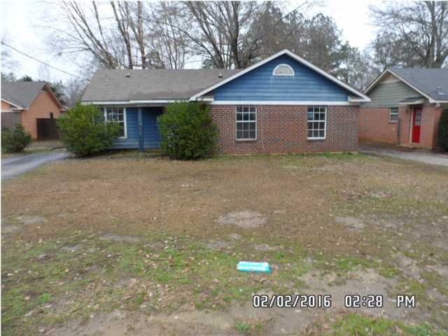 9630 Royal Woods Ct, Mobile, AL 36608 West Mobile 3 Bed 2 Bath Foreclosure home for sale in Trailwood Subdivision. Great house on a cul-de-sac and is priced to sell. This would make a great starter home or rental. Close to West Mobile growth and Baker High School. Property is being sold in accordance to HUD Guidelines 24 CFR 206.125.  Don't waste time! See for yourself what this Mobile, AL foreclosure home for sale has to offer! Call Kelly Cummings and Ryan Cummings at 251-602-1941 to…