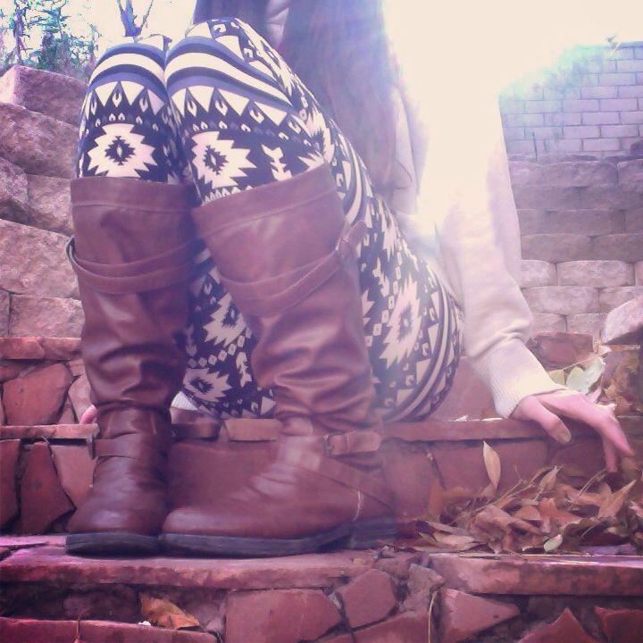 I love these leggings! I NEED more leggings haha
