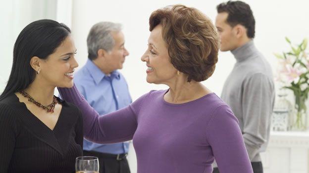 Las mujeres tienen mayor tendencia a buscar alianzas para modificar el comportamiento de sus esposos (Getty Images).