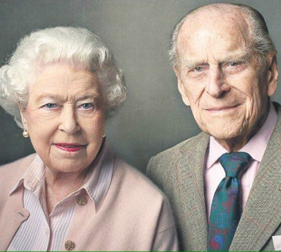 Emily Andrews on Twitter:  Queen Elizabeth and the Duke of Edinburgh, photo by Annie Liebovitz, released to mark the Queen's 90th and the Duke's 95th birthdays